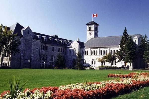 加拿大生孩子教育优势:特殊时期降低学费,各项补助福利发不停