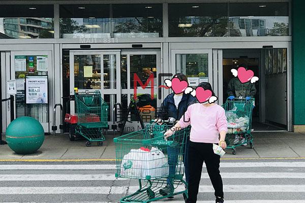 超市购物.jpg