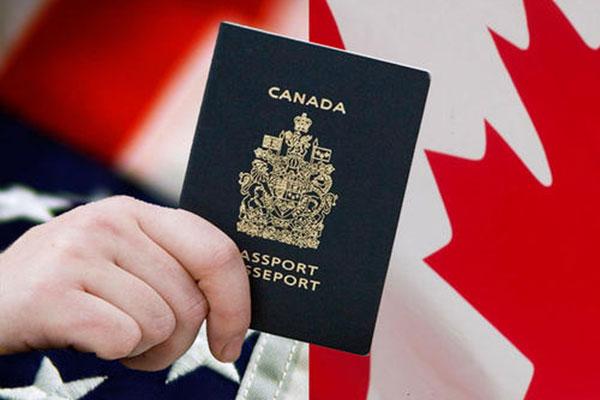 有枫叶卡在国内生孩子是什么国籍?怎么办理移民?