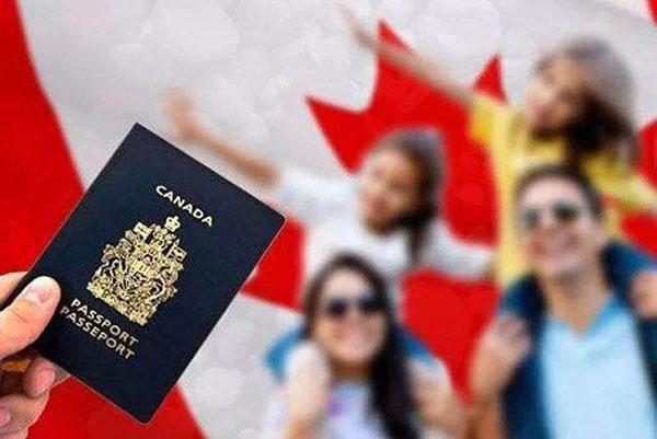 去加拿大生孩子最新政策:海关不会禁止孕妇入境!