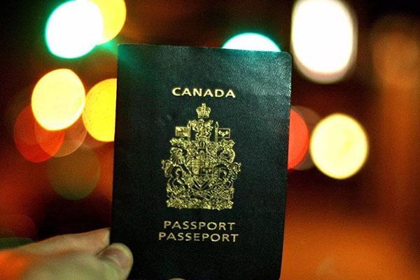 加拿大生孩子政策:赴加生子这些你都了解吗?
