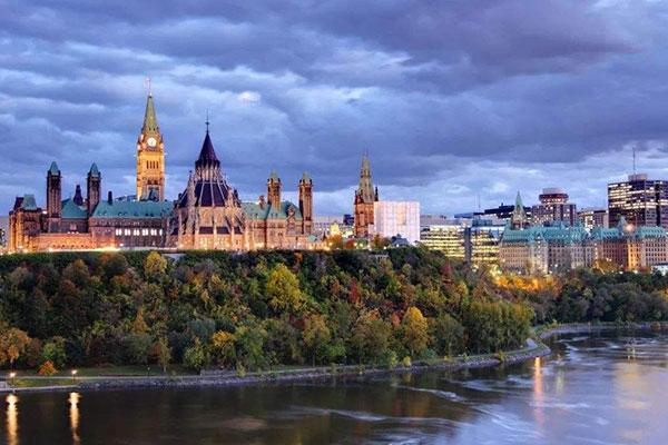 旅游去加拿大生孩子可以吗?去加拿大生孩子怎么入境?